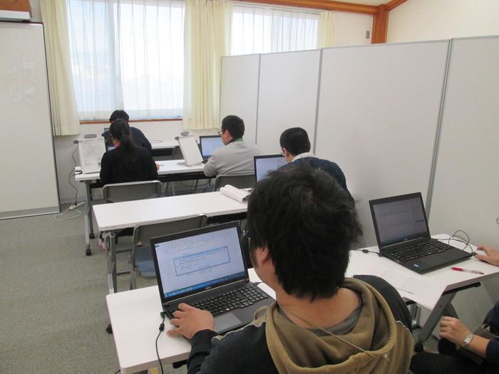 PC訓練で検定試験にも取り組んでいます。