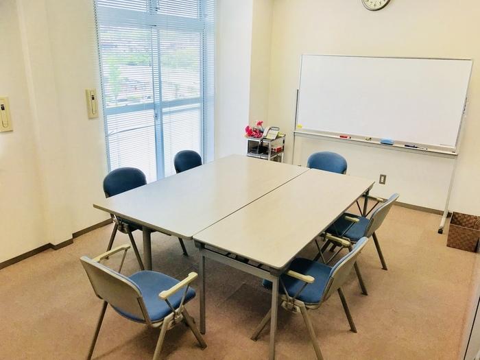 利用者様との相談や来客の時に使用する相談室です。