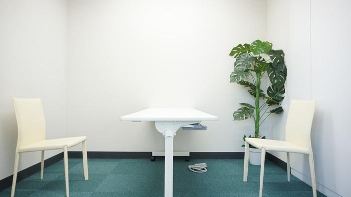 こちらは相談室の風景です。ゆっくりとお話しできる環境です。