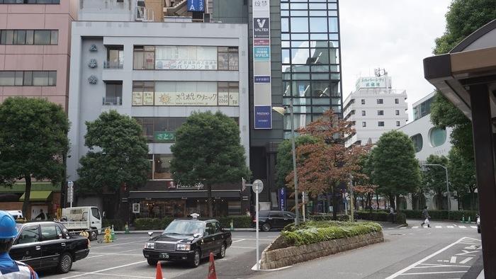 武蔵境駅南口から徒歩1分です。駅近で通いやすい環境です。