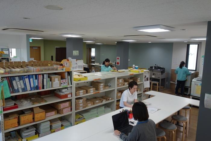 印刷作業だけではなく、就職支援活動も並行して行います