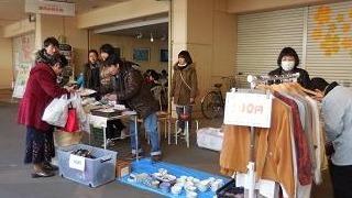 花見川団地商店街での販売会の様子