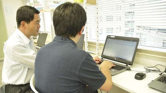 パソコンプログラムは個々の能力に合わせてサポートします、資格取得も支援いたします。